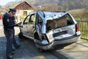 Prometna nesreča s pobegom - Kakšne so posledice in rešitve?