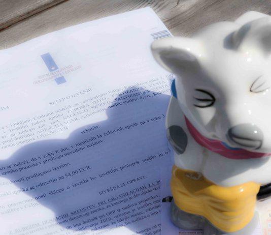 Predlog za oprostitev plačila stroškov postopka (odvzem vozniške)